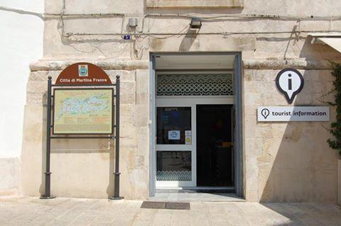 In Ufficio Turismo : Parco del frignano centri visita ufficio turistico sede parco